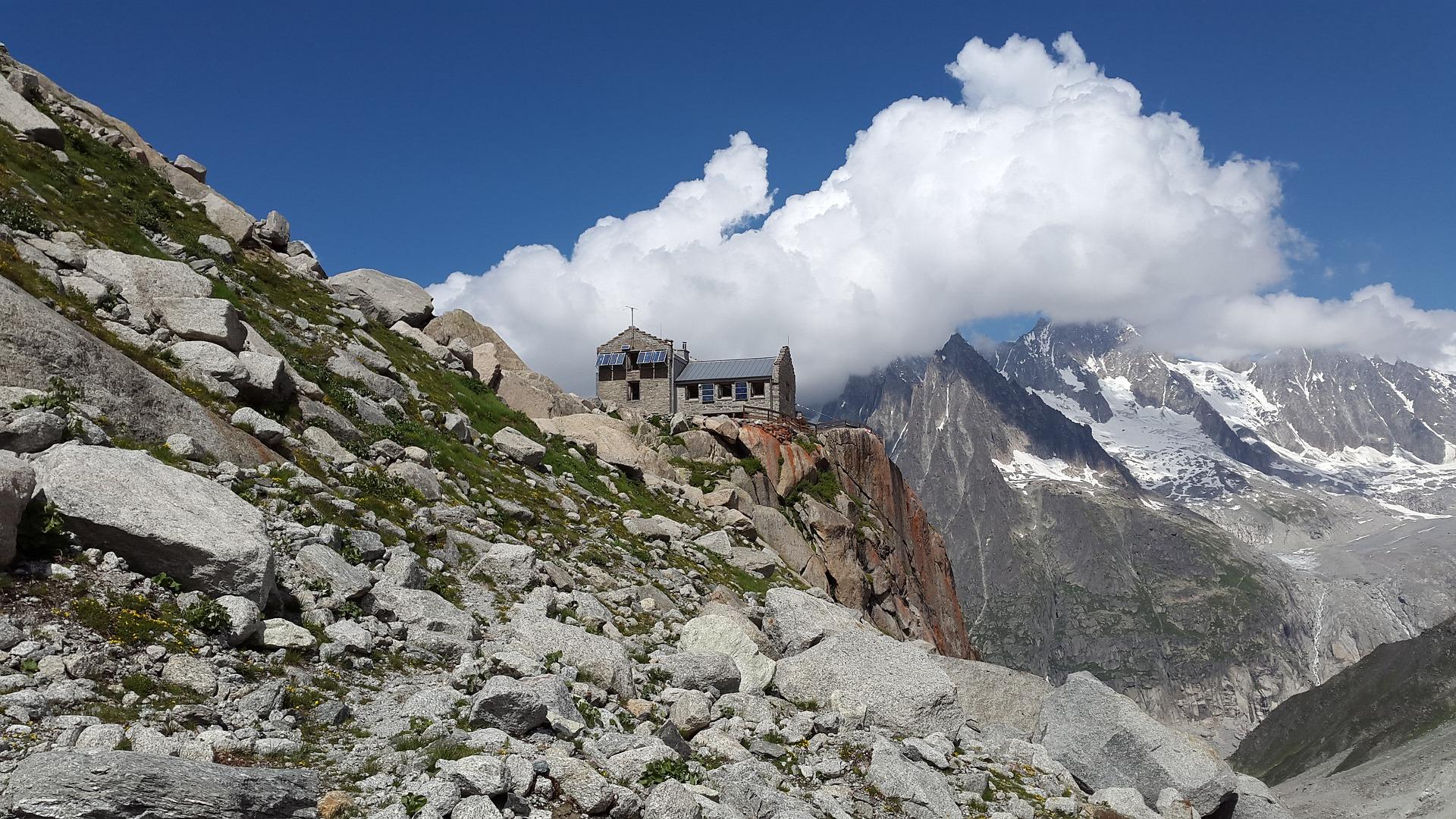 Il rifugio sentieri montagna for Rifugio in baita di montagna