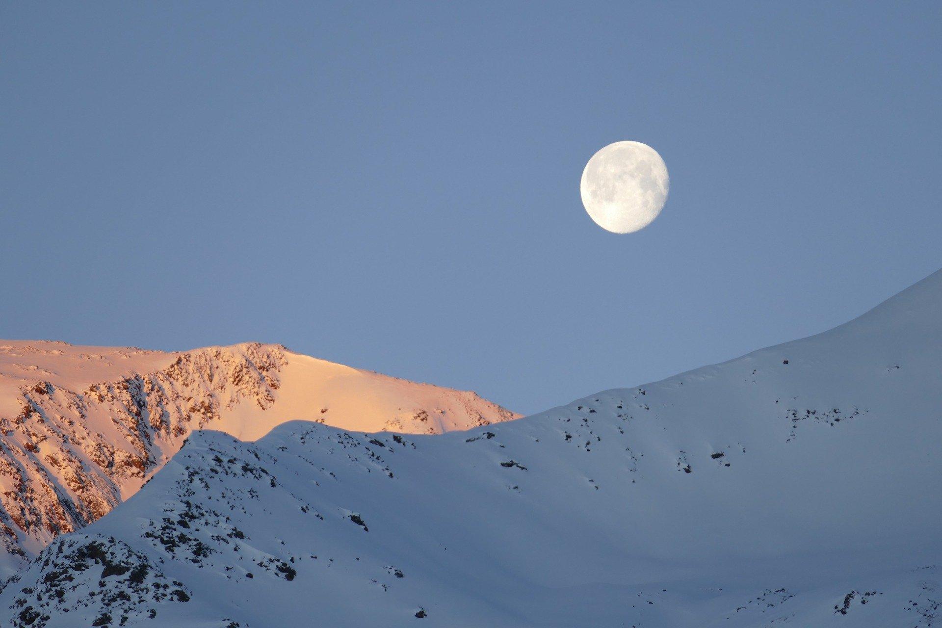 Orientarsi con la luna