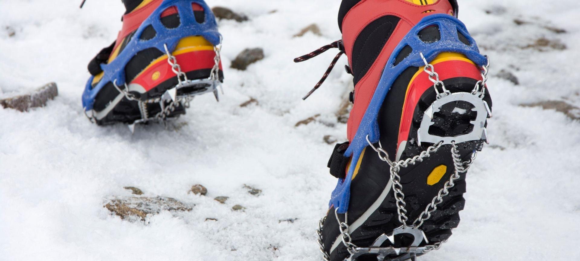 camminare sulla neve scarpe